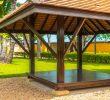 Drewniana altana w ogrodzie – od czego zacząć?