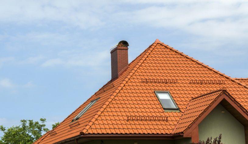 Jak umyć okna dachowe?