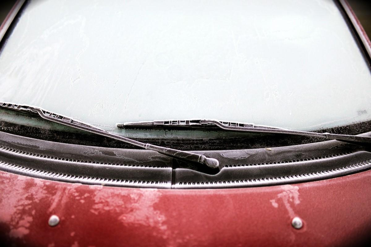 jak-usunac-wilgoc-z-samochodu