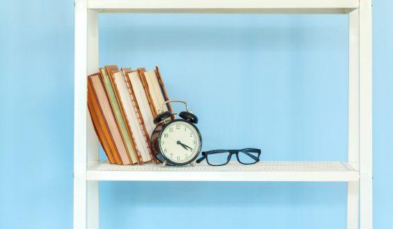 Regał na książki – zrób go sam!