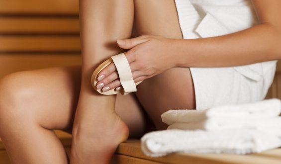 Jak wybrać szczotkę do ciała do masażu na sucho?