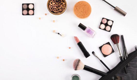 Które kosmetyki są zbędne? Na tych produktach zaoszczędzisz
