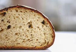 Co zrobić ze starego chleba?