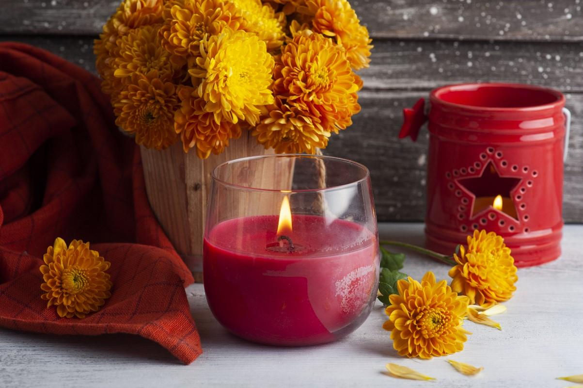 Jak zrobić świecę zapachową? Krok po kroku