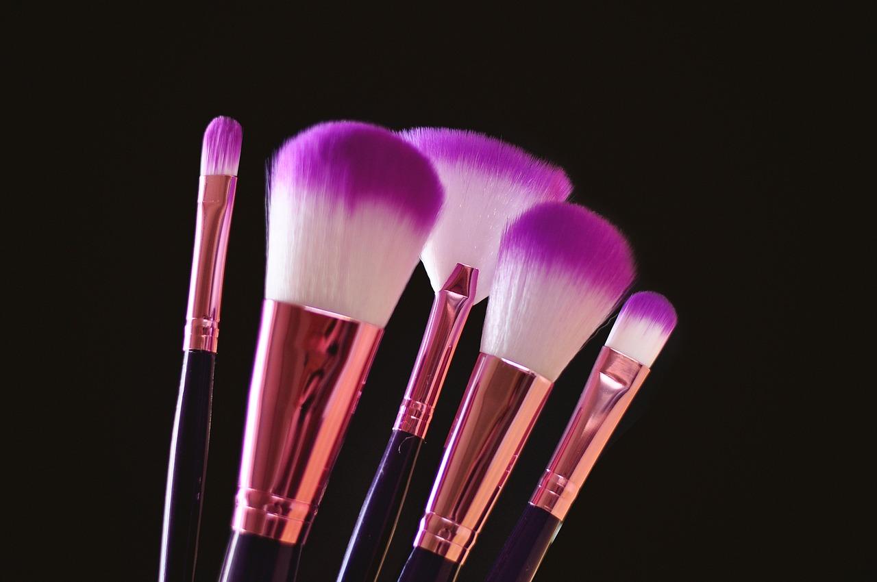 makeup-brushes-4198072_1280
