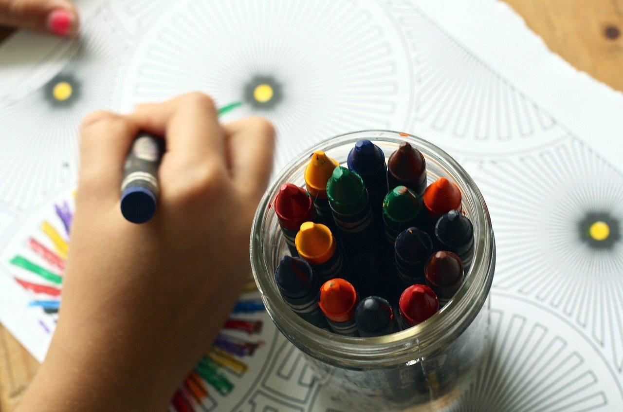 Ferie zimowe w domu – co robić z dziećmi?