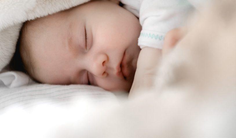 W ilu stopniach prać ubranka dla niemowląt?