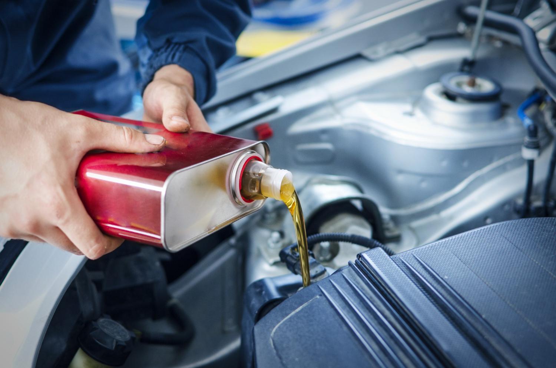 Co ile wymieniać olej w samochodzie?