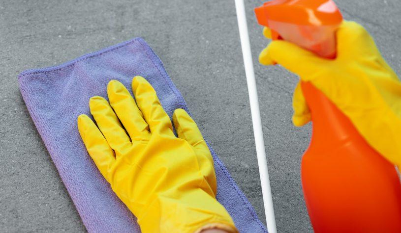 Czym i jak czyścić kuchenne blaty?