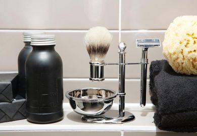 Twój mężczyzna martwi się podrażnieniami na twarzy po goleniu? Podpowiadamy, co może ułatwić mu życie!