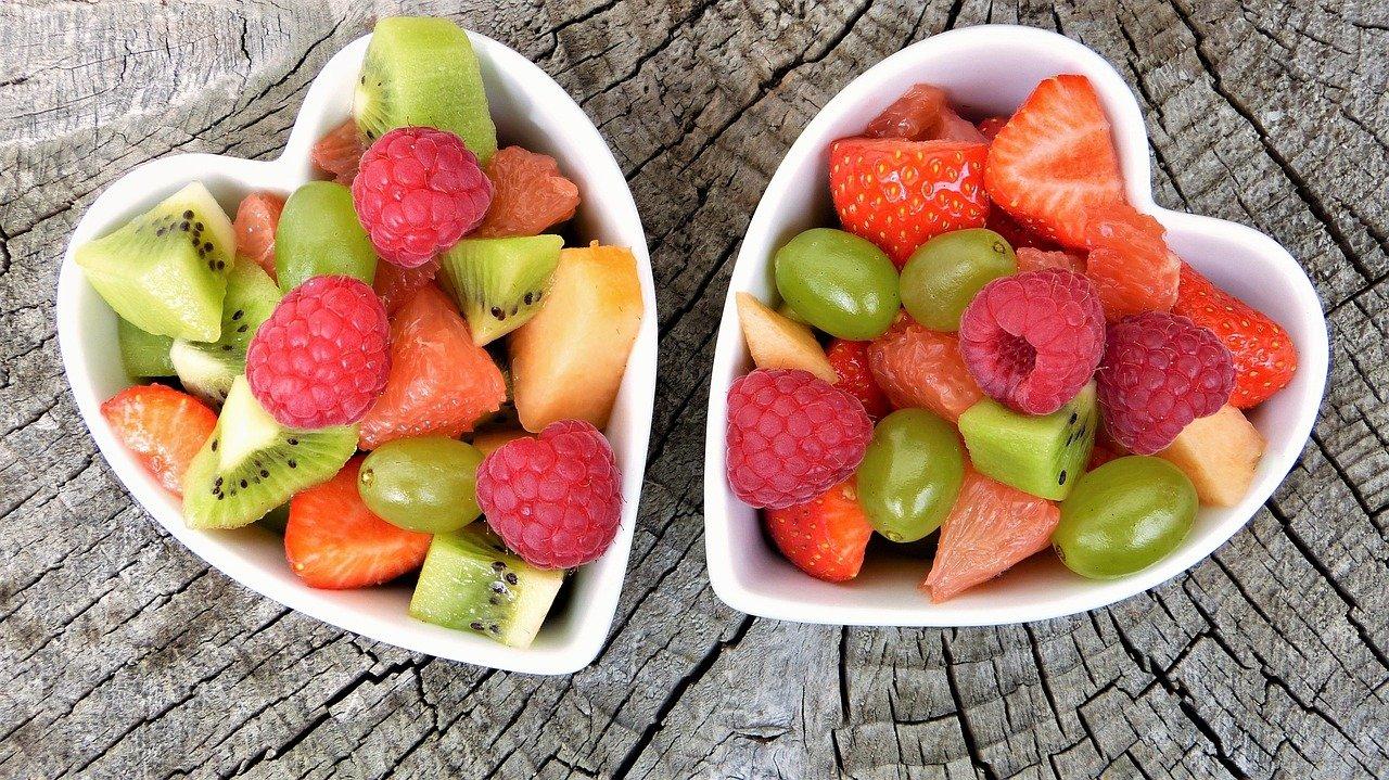 Letnie lekkie sałatki – 4 ciekawe propozycje
